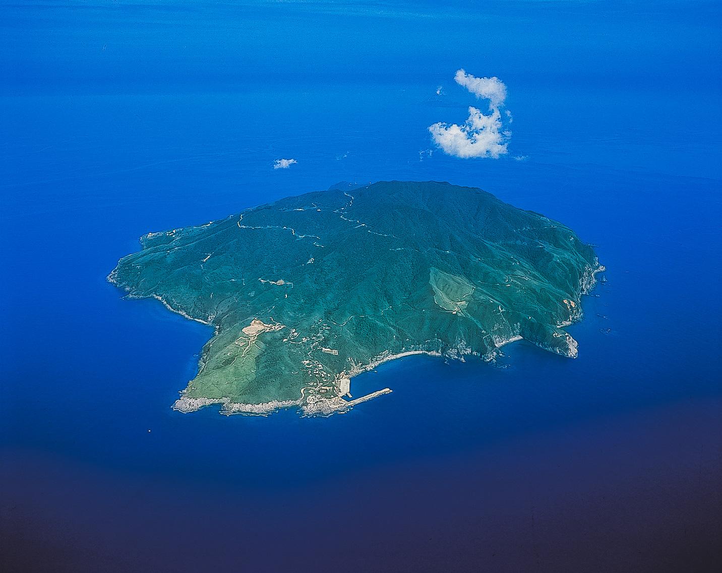 三島村黒島